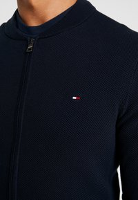 Tommy Hilfiger - RICECORN BASEBALL ZIP THROUGH - Kardigan - blue - 4