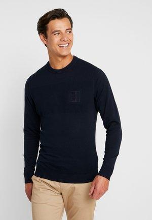 PLACED STRUCTURE BRANDED - Stickad tröja - blue
