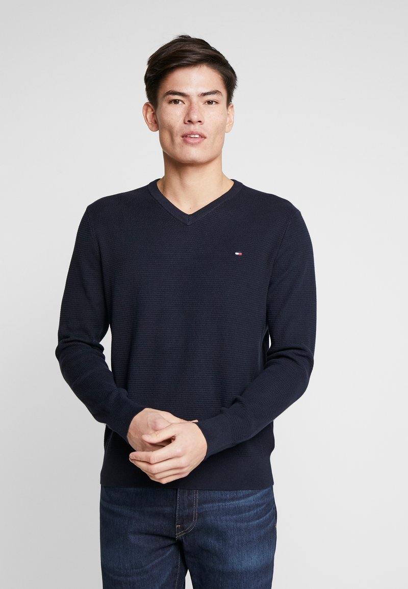Tommy Hilfiger - STRUCTURED  V NECK - Strikkegenser - blue