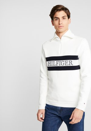 CHEST BRANDED ZIP MOCK - Strikkegenser - white