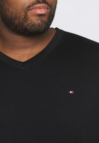 Tommy Hilfiger - Jumper - black - 5