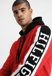 Tommy Hilfiger - RELAXED SLEEVE BRANDED HOODY - Hoodie - red - 3