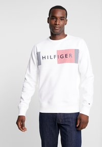 Tommy Hilfiger - LOGO  - Collegepaita - white - 0