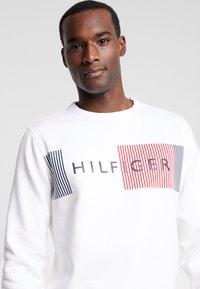 Tommy Hilfiger - LOGO  - Sweatshirt - white - 3