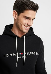 Tommy Hilfiger - LOGO HOODY - Sweat à capuche - black - 3