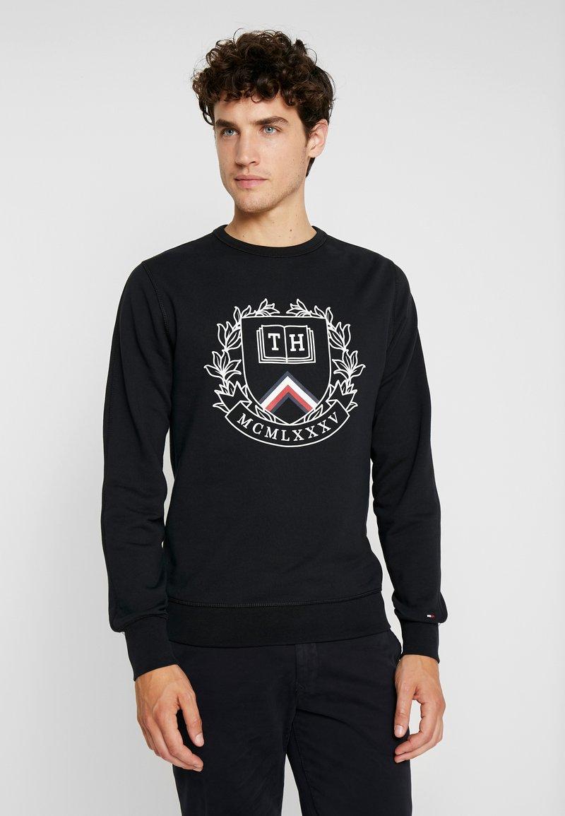 Tommy Hilfiger - CREST ARTWORK - Sweatshirt - black