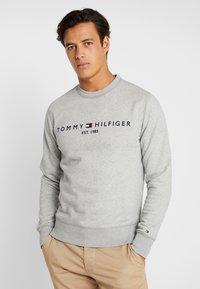 Tommy Hilfiger - LOGO  - Sweatshirt - grey - 0