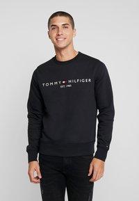 Tommy Hilfiger - LOGO  - Collegepaita - black - 0