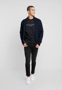 Tommy Hilfiger - LOGO  - Sweatshirt - black - 1