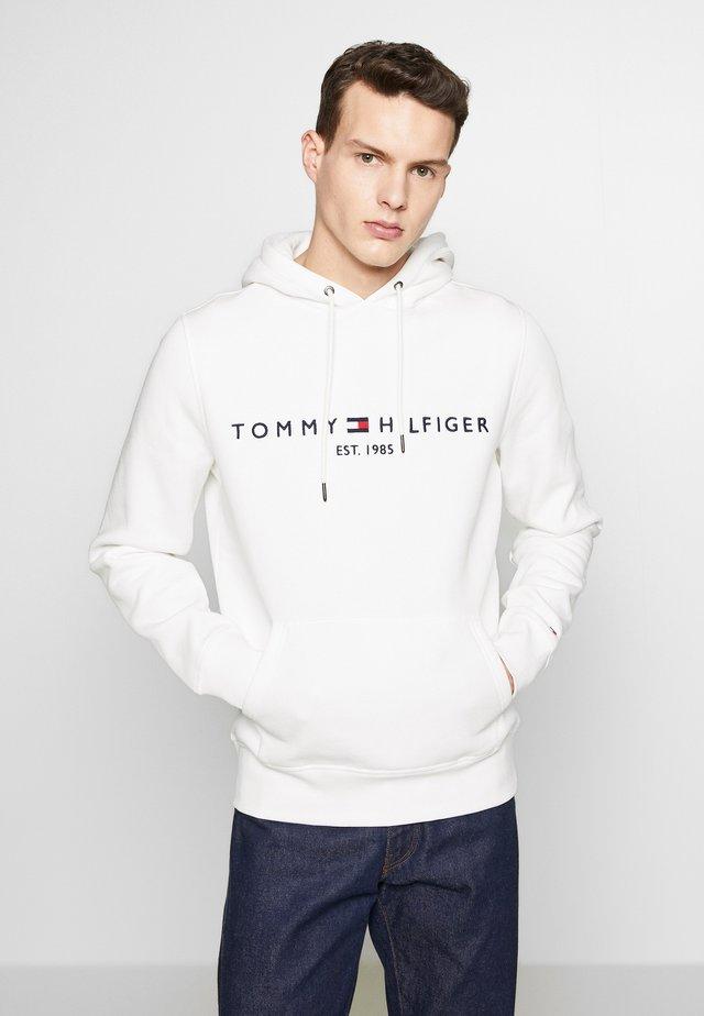 LOGO HOODY - Bluza z kapturem - white