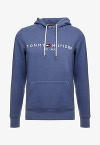 Tommy Hilfiger - LOGO HOODY - Mikina skapucí - blue - 3