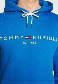 Tommy Hilfiger - LOGO HOODY - Hoodie - blue - 6