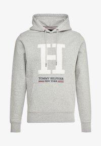 Tommy Hilfiger - APPLIQUE ARTWORK HOODY - Hoodie - grey - 4