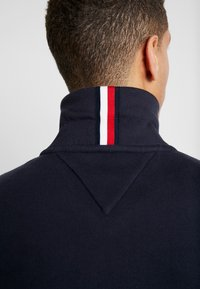 Tommy Hilfiger - ICON HALF ZIP MOCK NECK - Sweatshirt - blue - 4