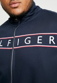 Tommy Hilfiger - LOGO ZIP THROUGH - Mikina na zip - blue - 5