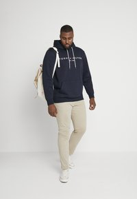 Tommy Hilfiger - CORE HOODY - Jersey con capucha - blue - 1