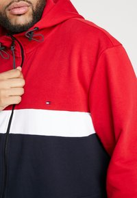 Tommy Hilfiger - COLORBLOCKD HOODED ZIP - Hettejakke - red - 5