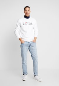 Tommy Hilfiger - BASIC - Mikina - white - 1