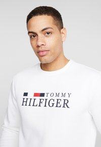 Tommy Hilfiger - BASIC - Mikina - white - 3