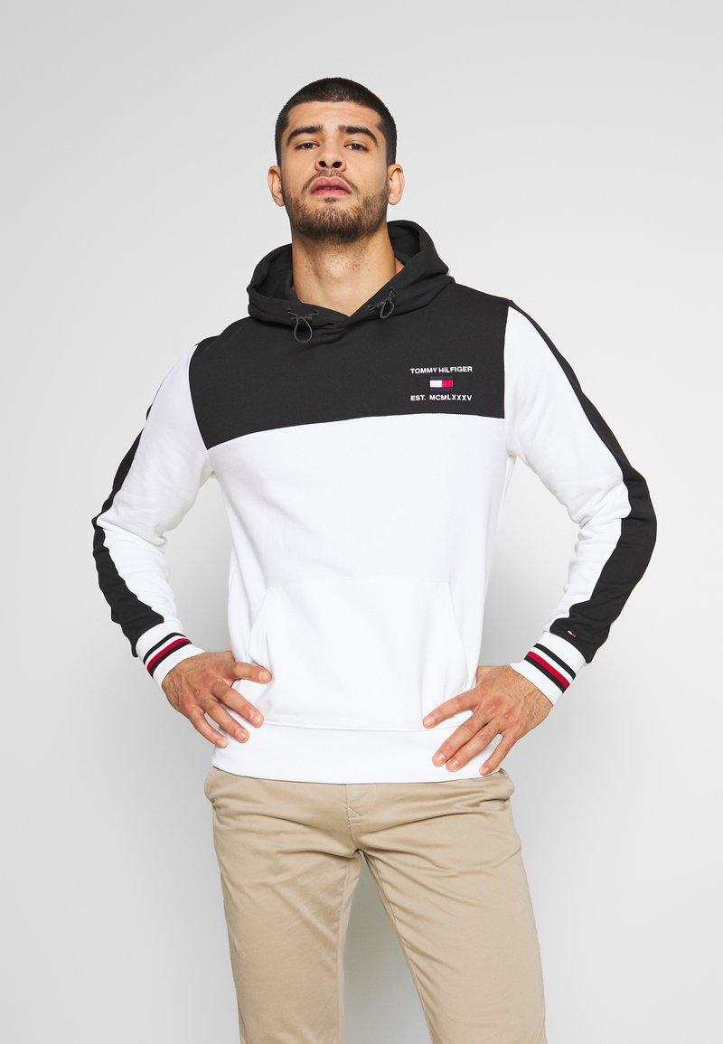 Tommy Hilfiger - BRANDED COLORBLOCK HOODY - Sweat à capuche - white