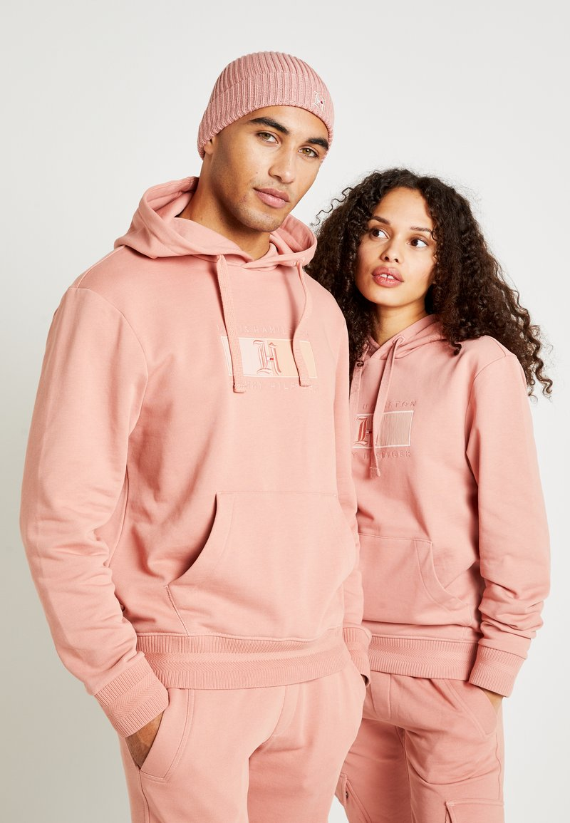 Tommy Hilfiger - LEWIS HAMILTON FLAG HOODY - Mikina s kapucí - pink