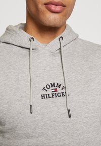 Tommy Hilfiger - BASIC EMBROIDERED HOODY - Hoodie - grey - 5