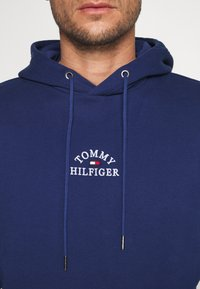 Tommy Hilfiger - BASIC EMBROIDERED HOODY - Hoodie - blue - 4