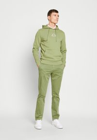 Tommy Hilfiger - BASIC EMBROIDERED HOODY - Hoodie - green - 1