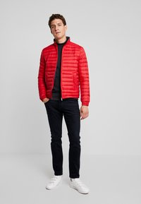 Tommy Hilfiger - PACKABLE DOWN JACKET - Doudoune - red - 1