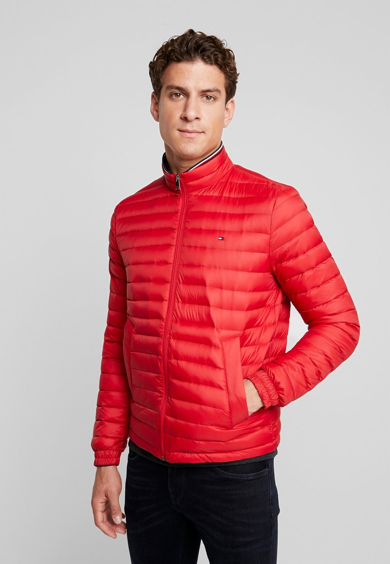 Tommy Hilfiger - PACKABLE DOWN JACKET - Daunenjacke - red