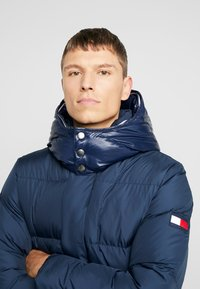 Tommy Hilfiger - HOODED - Piumino - blue - 4