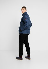 Tommy Hilfiger - HOODED - Piumino - blue - 2