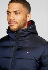 Tommy Hilfiger - Light jacket - blue - 5
