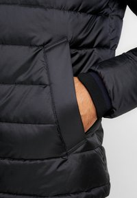 Tommy Hilfiger - Light jacket - black - 4