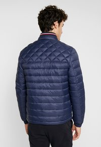 Tommy Hilfiger - LIGHT WEIGHT PADDED - Välikausitakki - blue - 2