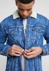 Tommy Hilfiger - LEWIS HAMILTON  - Jeansjacke - blue denim