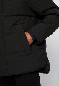 Tommy Hilfiger - HEAVY BOMBER - Winter jacket - black - 6