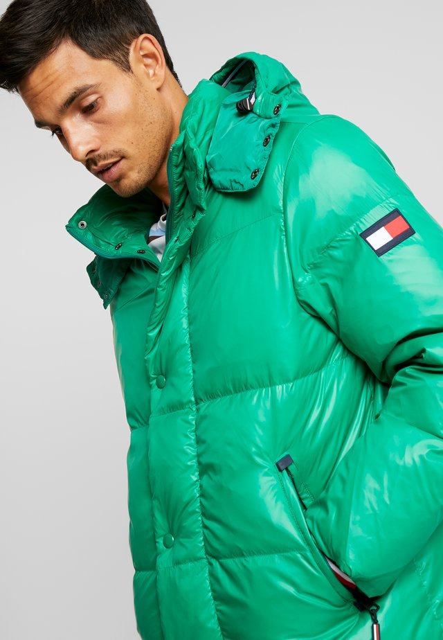 SHINY HOODED BOMBER - Winter jacket - green