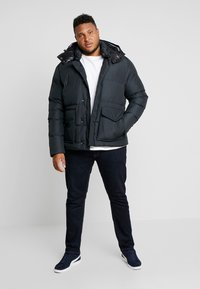 Tommy Hilfiger - HOODED BOMBER - Untuvatakki - black - 1