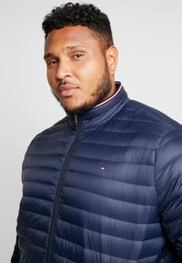 Tommy Hilfiger - PACKABLE JACKET - Down jacket - blue - 3