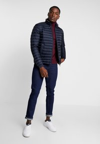 Tommy Hilfiger - CORE PACKABLE JACKET - Gewatteerde jas - sky captain - 1