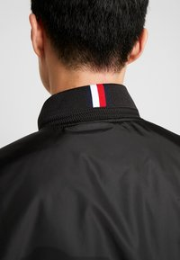Tommy Hilfiger - PADDED BOMBER - Bomberjacks - black - 6