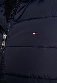 Tommy Hilfiger - QUILTED HOODED JACKET - Light jacket - blue - 4