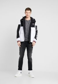 Tommy Hilfiger - COLOURBLOCK DETACH HOODED JACKET - Korte jassen - white - 1