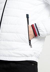 Tommy Hilfiger - HOODED JACKET - Light jacket - white - 5