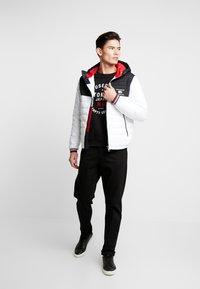 Tommy Hilfiger - HOODED JACKET - Light jacket - white - 1