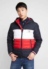 Tommy Hilfiger - COLOURBLOCK HOODED JACKET - Giacca da mezza stagione - blue - 0