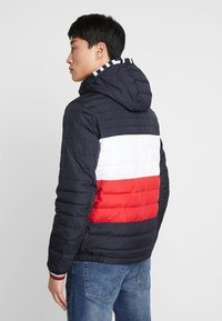 Tommy Hilfiger - COLOURBLOCK HOODED JACKET - Giacca da mezza stagione - blue - 2