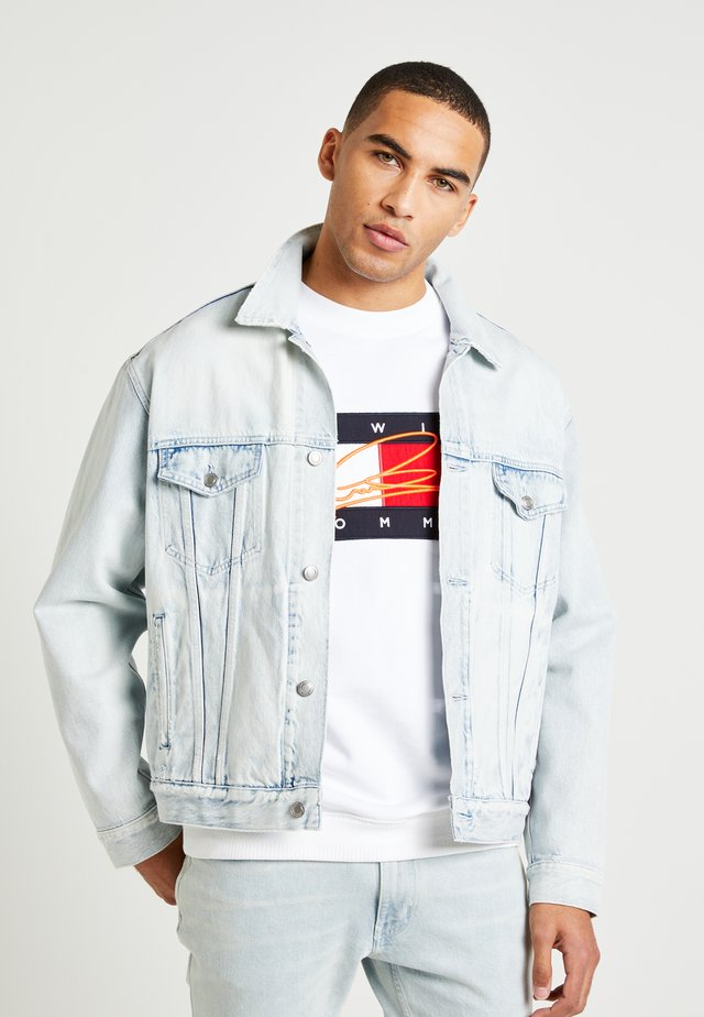 LEWIS HAMILTON BLEACHED TRUCKER JACKET - Giacca di jeans - denim
