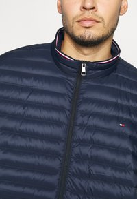 Tommy Hilfiger - CORE PACKABLE JACKET - Piumino - blue - 5